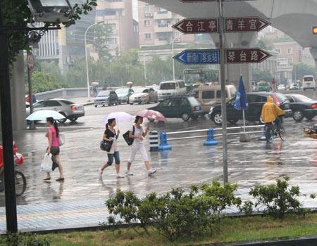 四川大雨持续 好天气不再