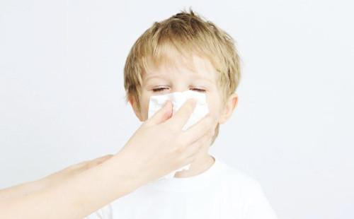 除湿机4步减少家庭过敏问题