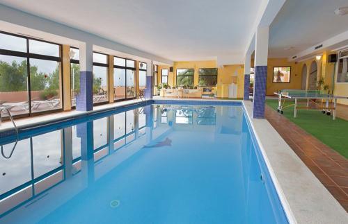 更换游泳池除湿机需要考虑的因素
