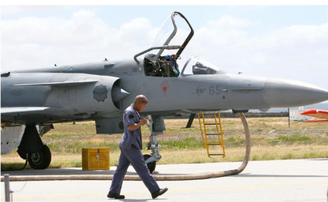 工业除湿机在飞机库和维护设施领域的应用