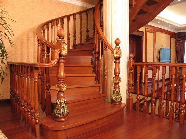 楼梯湿滑可以使用千元内除湿机