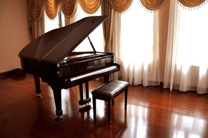 天气潮湿,对钢琴有影响吗?