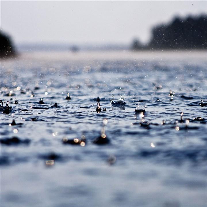 一下雨湿气重重,除湿机挥之即去