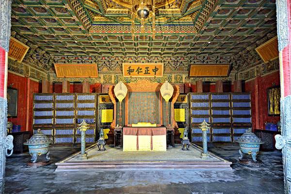 古代宫殿阴冷潮湿,只因少了一台来自现代的德业除湿机