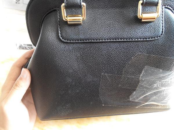 皮包存放防潮很重要?