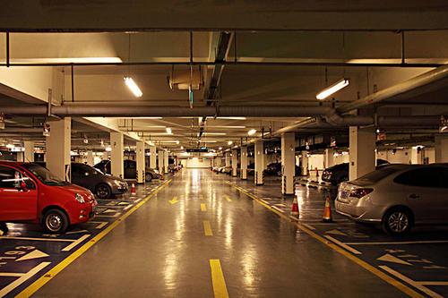 梅雨季地下停车场要除湿