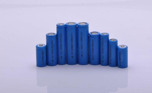 锂电池生产环境控温控湿的重要性